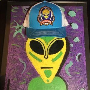 SPACE LEGEND Alien mesh trucker hat